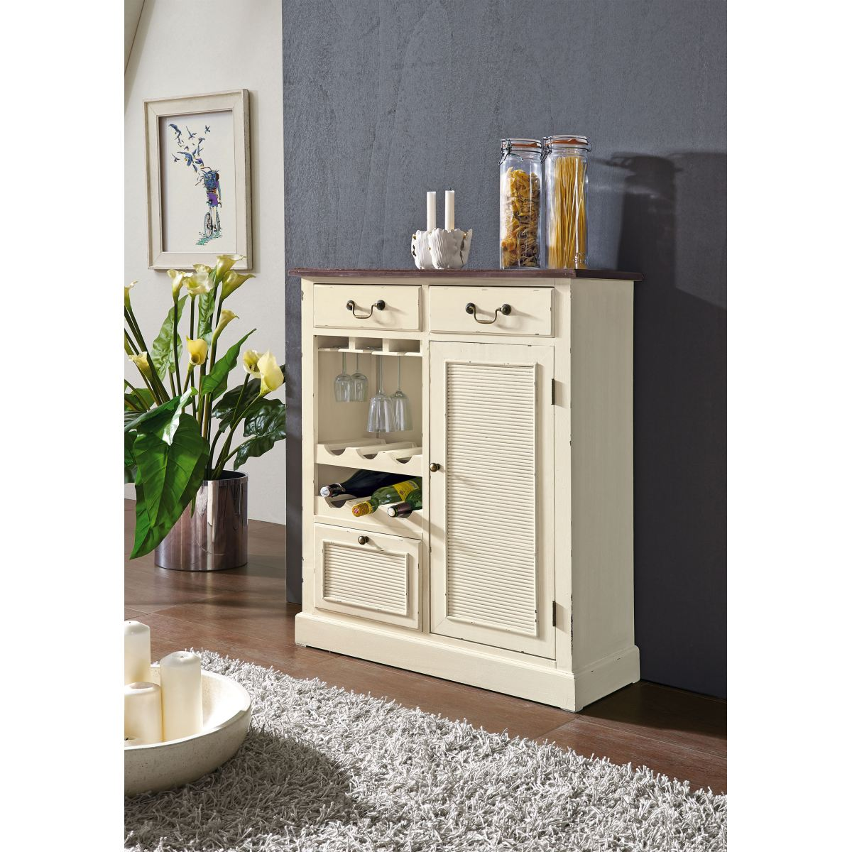 ger umiger barschrank im landhausstil in der farbe creme. Black Bedroom Furniture Sets. Home Design Ideas